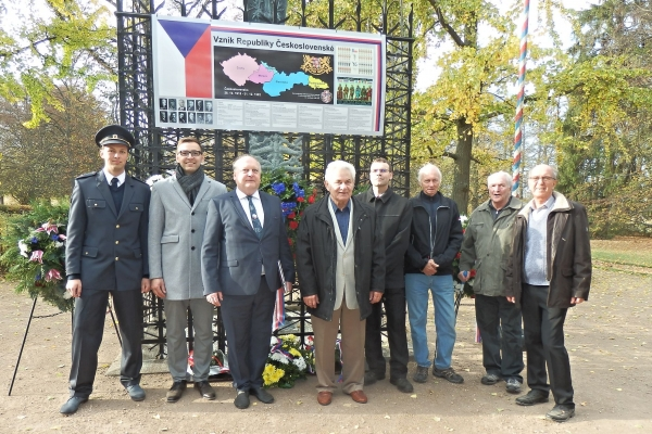 2018-10-20-setkani-na-ruzovem-paloucku-143FE326F0C-2640-190D-29B9-49534F1F03A3.jpg