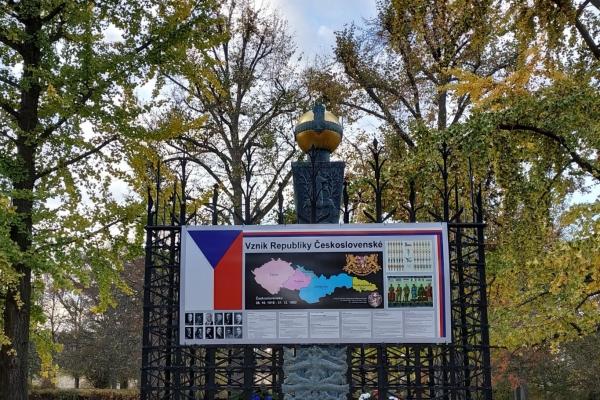 2018-10-20-setkani-na-ruzovem-paloucku-1696926C169-AFD9-1199-A223-C0DF44656962.jpg